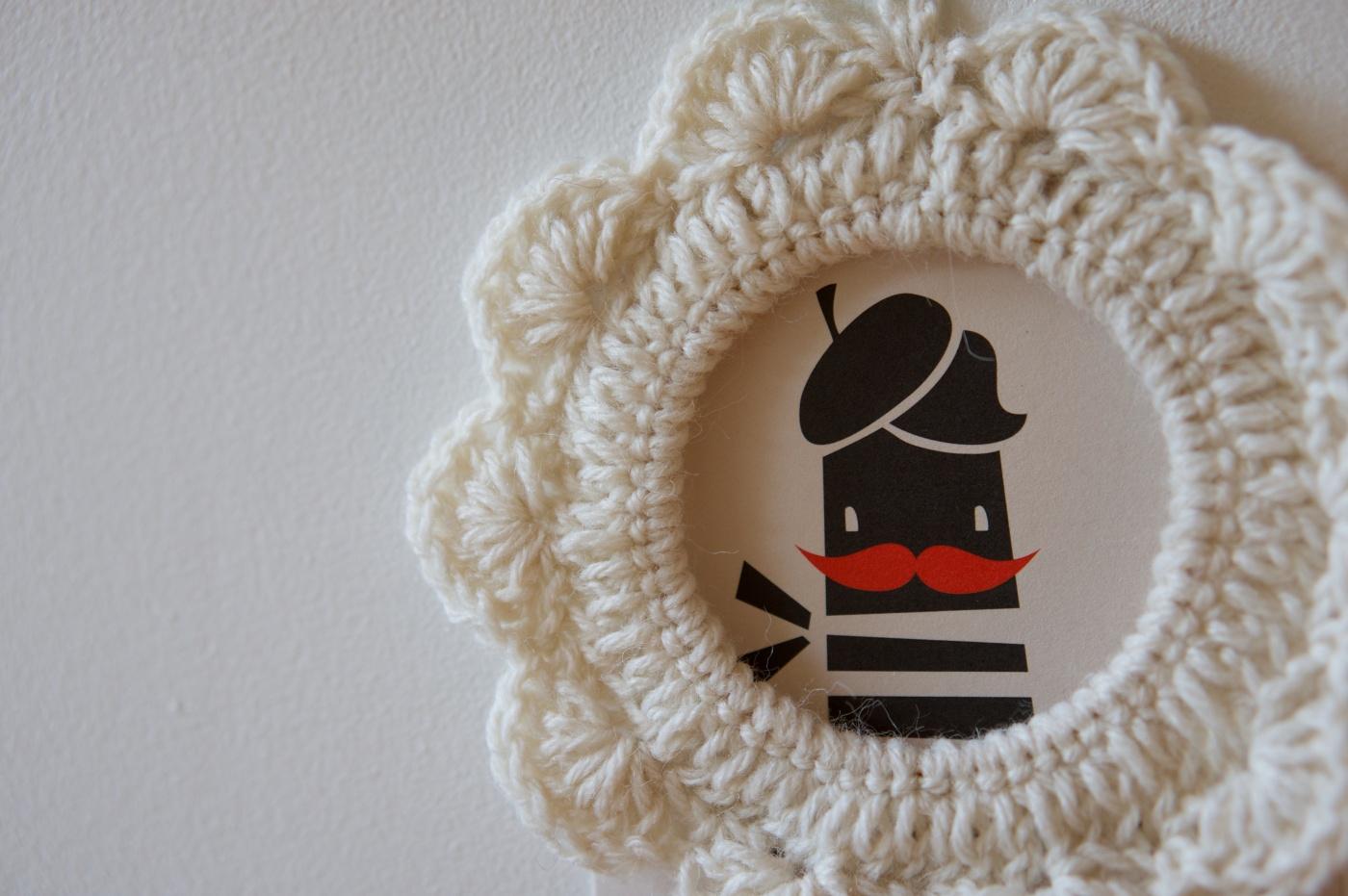 diy petit cadre au crochet tuto inside les petits papiers. Black Bedroom Furniture Sets. Home Design Ideas